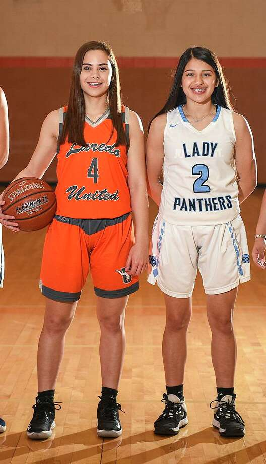 United's Evelyn Quiroz and United South's Angelina Lopez were both named to the TBCA 6A All-Region team, and Quiroz also was a TGCA All-State selection. Photo: Danny Zaragoza /Laredo Morning Times File