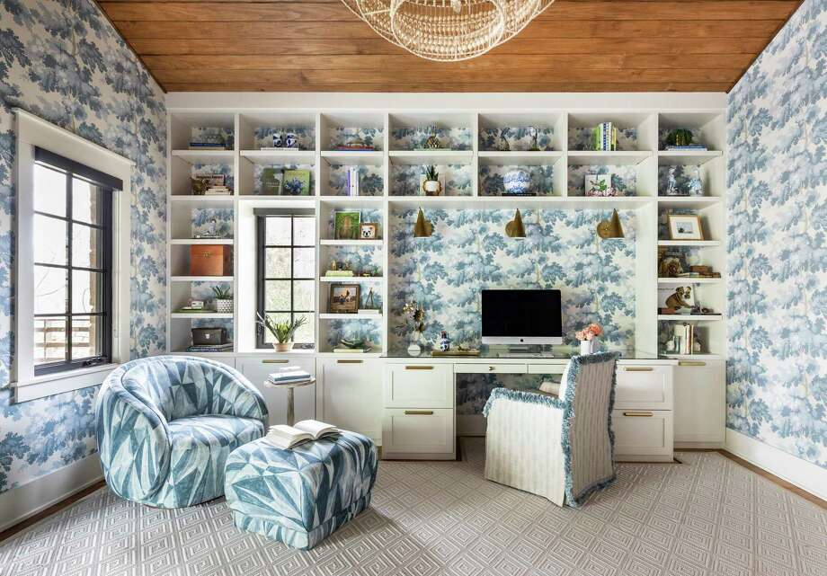 Courtnay Tartt Elias of Creative Tonic designed this home office for a client. Photo: Julie Soefer