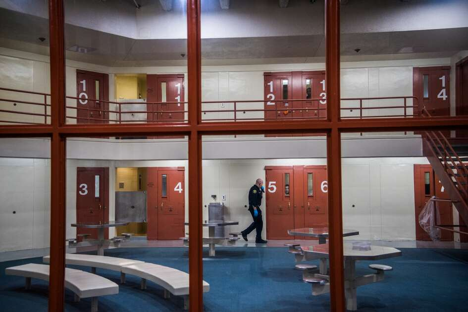 DUBLIN, CA - APRIL 5: An officer checks on prisoners at Santa Rita Jail on Thursday, April 5, 2018, in Dublin, CA. (Photo by Salwan Georges/The Washington Post via Getty Images)