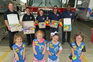 On Wednesday, Friendswood Girl Scout Troop #143158 donated cookies to first responders to thank them for their service during these trying times. According to a Facebook post by the City of Friendswood, the scouts practiced social distancing, and kept their hands in their pockets.