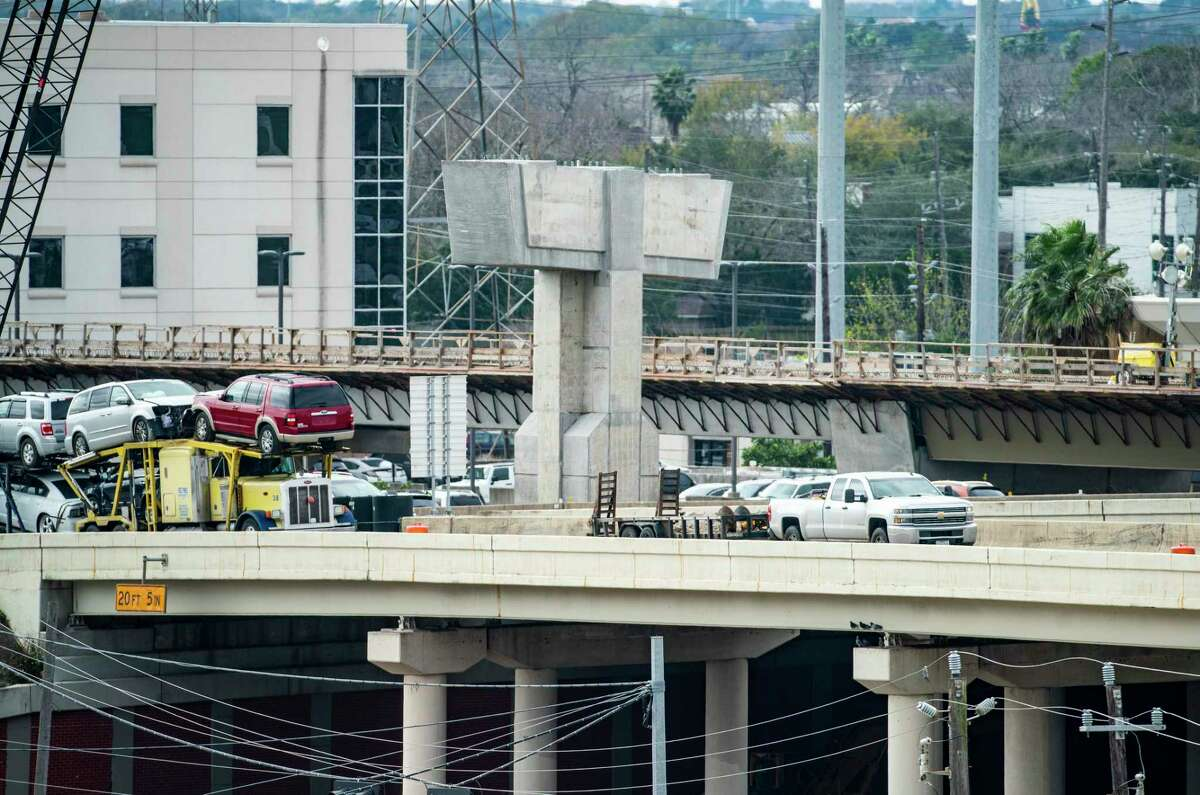 Work continues on pylons that will serve connectors between Interstate 69 northbound and Loop 610 southbound on Jan. 29, 2020, in Houston.