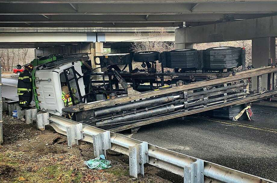 A tractor trailer rollover on Derby Avenue in Seymour, Conn., on Friday, March 20, 2020. Photo: Contributed Photo / Citizens' Engine Company No. 2