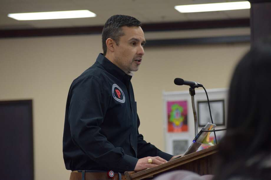 Superintendent H.T. Sanchez addresses the Plainview ISD School Board during an emergency meeting to enact a plan to get the district through the next two weeks. Photo: Ellysa Harris/Plainview Herald
