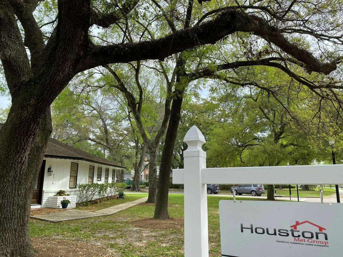 The Houston Association of Realtors is telling agents to avoid holding open houses and to market their properties with videos and through social media.