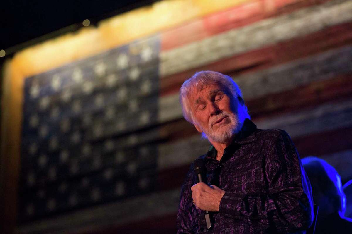 Singer Kenny Rogers performs at the Redneck Country Club Friday, Aug. 11, 2017, in Stafford. Rogers plans to give his last concert in October in Nashville, which made his Friday show his final performance in his hometown of Houston. ( Yi-Chin Lee / Houston Chronicle )