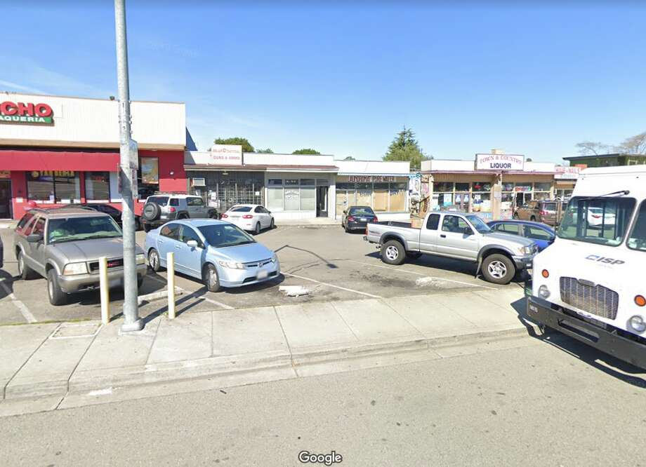 Gun store Solar Tactical (center) in Castro Valley, Calif. Photo: Google Street View