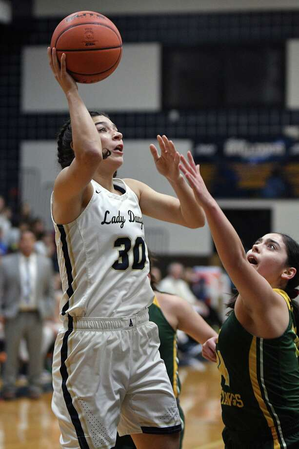 Aly Benavides was one of 15 Alexander players who earned all-academic honors this season. Photo: Cuate Santos /Laredo Morning Times File / Laredo Morning Times