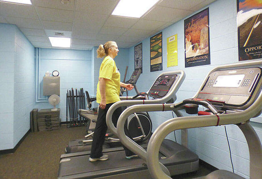 Laura Thomas walks on a treadmill in the new Julie A. Honerkamp Strong Survivors Cancer Rehabilitation Lab at Southern Illinois University. Photo: Marilyn Halstead | Southern Illinoisan (AP)
