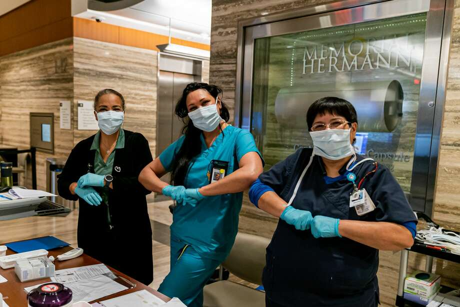 Healthcare workers at Memorial Hermann Health System keep spirits up while social distancing. Photo: Courtesy