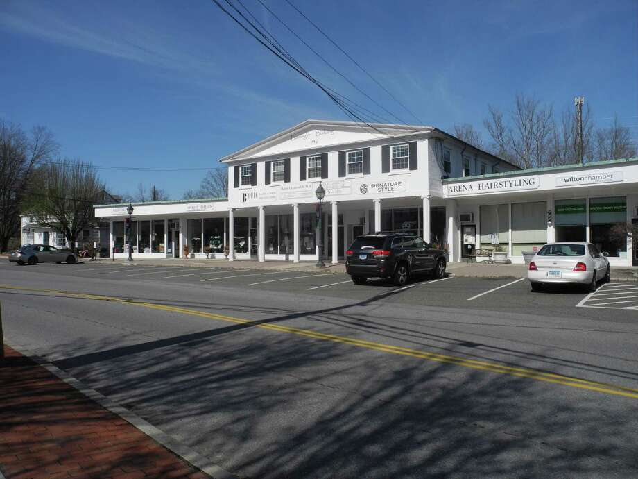 Center Street is practically empty on a Saturday afternoon. Photo: Jeannette Ross / Hearst Connecticut Media / Wilton Bulletin