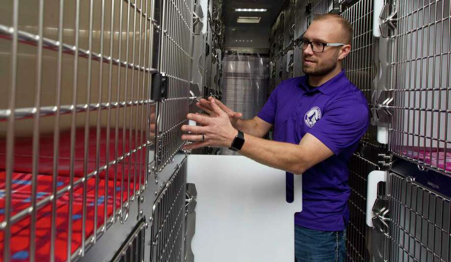 A week after limiting the intake of animals, Montgomery County Animal Shelter Director Aaron Johnson announced the shelter is moving to appointments only during the new coronavirus crisis. Photo: Jason Fochtman, Houston Chronicle / Staff Photographer / © 2018 Houston Chronicle