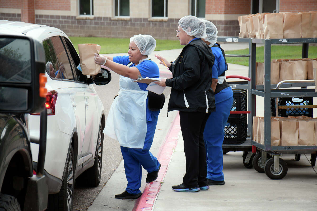 The United ISD Food Service Department began their Grab and Go Meals distribution Monday, March 23 at selected schools throughout the district. Meal kits, that include breakfast and lunch, will be provided for any child under the age of 18, up to 22 years of age for Special Education students. The child must accompany the parent. The meals will be provided from 9:30 to 11:30 am.