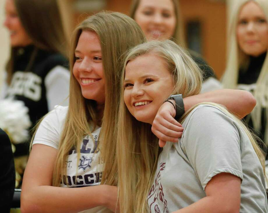 Conroe catcher Makenzie Ness will be continuing her education and softball career at Shawnee Community College. Photo: Jason Fochtman, Houston Chronicle / Staff Photographer / Houston Chronicle © 2020