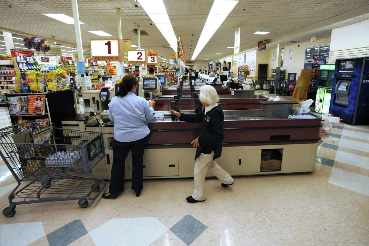 A file photo of a Biy Y supermarket. The Connecticut Food Association is drawing up suggestions for crowd-control measures for supermarket customers to observe social distancing in the pandemic.