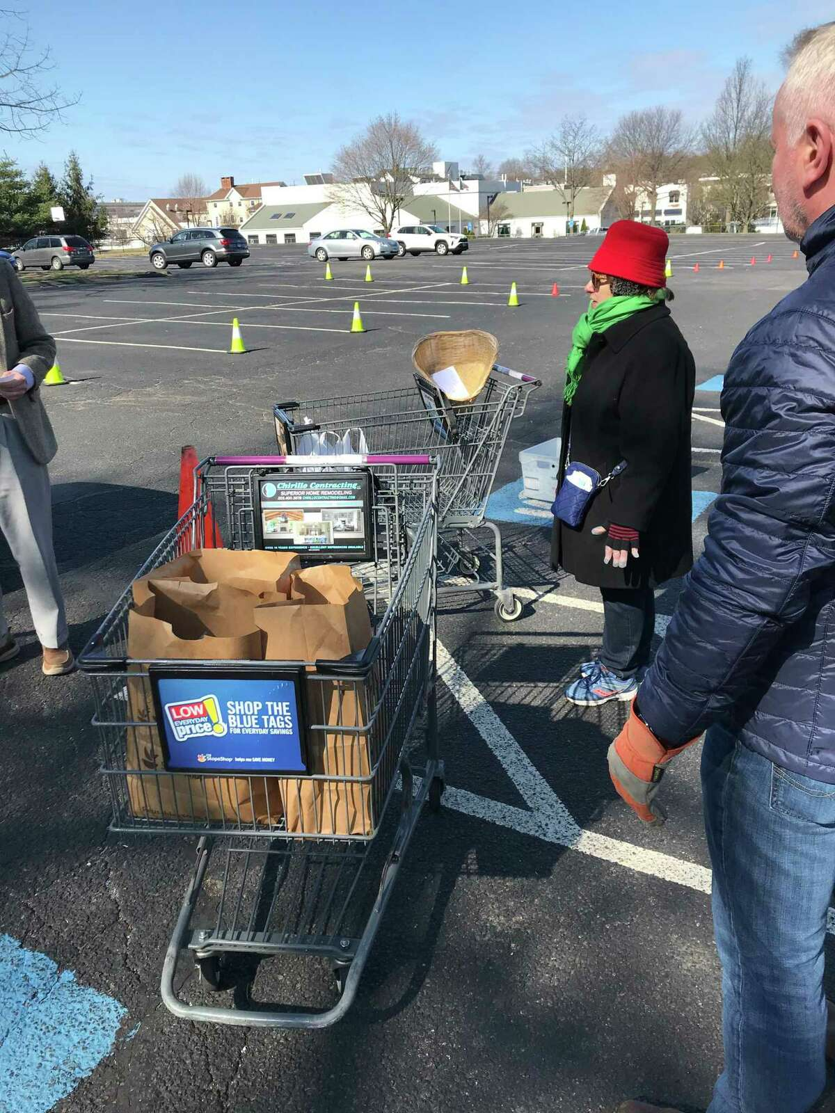 Volunteers collecting food at the March 22 food drive.