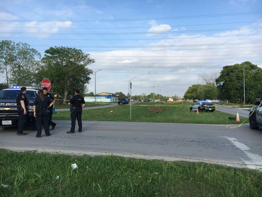 A man's body was found Tuesday in the 5900 block of Bellfort in Houston's South Park neighborhood, according to police. Photo: Houston Police Department