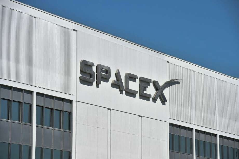 At least 12 employees at the SpaceX plant in Hawthorne, California, have been quarantined, according to a report. Photo: Robyn Beck/AFP Via Getty Images