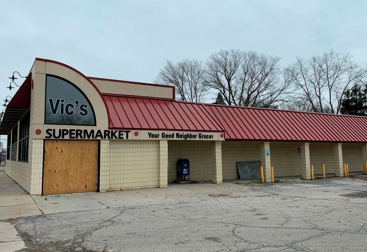 Vic's Supermarket was purchased by the owners of Ebels General Store in Falmouth in December. They have since been working on plans to bring a new grocery store to Reed City, with plans to open in late 2020 or early 2021. (Herald Review photo/Cathie Crew)