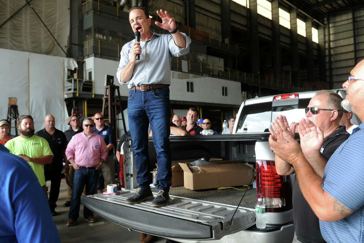 Bridgeport Mayor Joe Ganim speaks to a group of labor union members in 2018. The city is reopening some of its offices by appointment for people needing building permits and inspections.