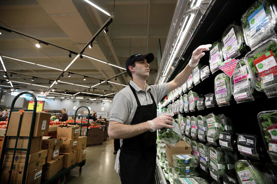 How you can avoid catching coronavirus at grocery stores