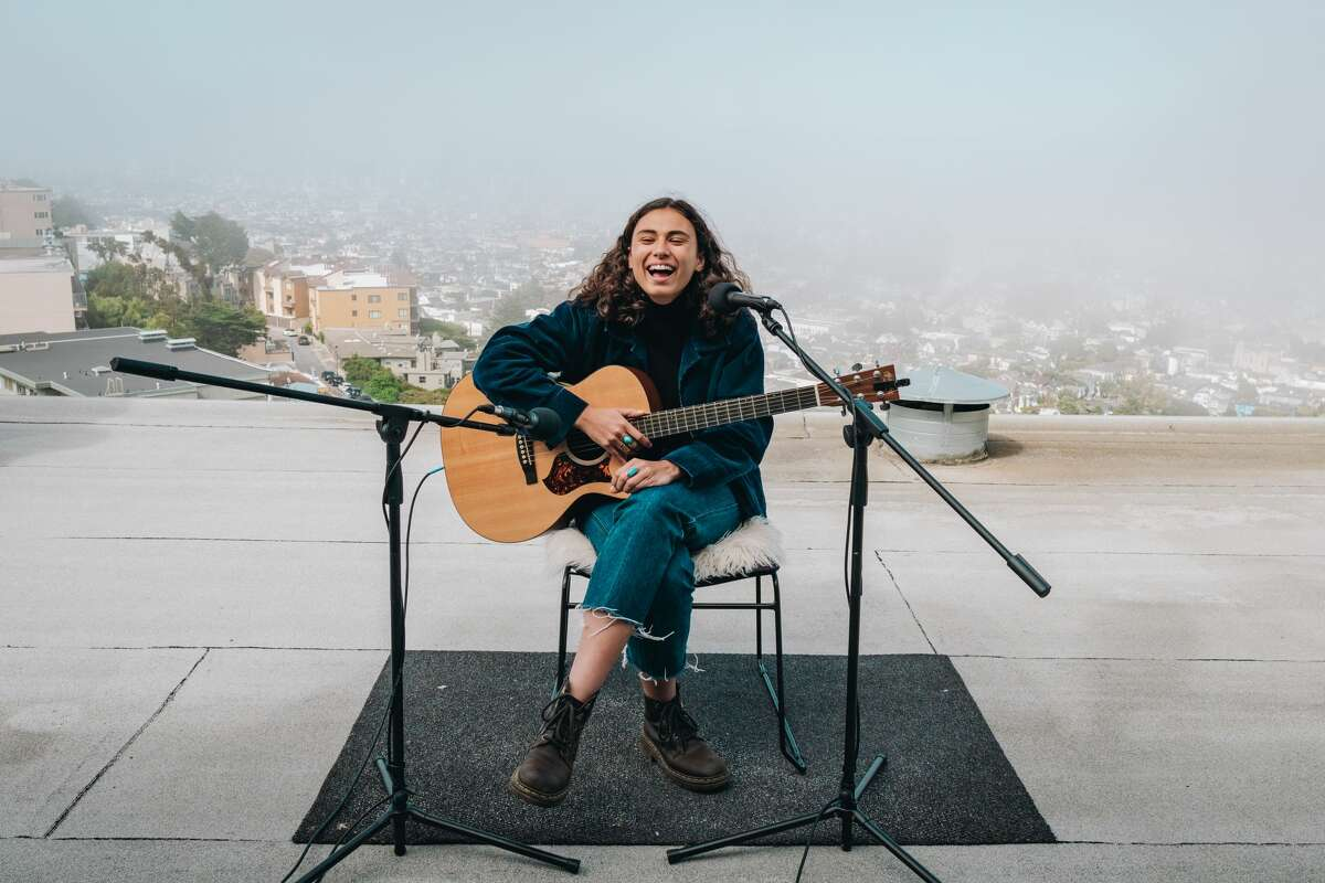 ZOLA performs on an apartment rooftop for Twin Peaks Sessions.