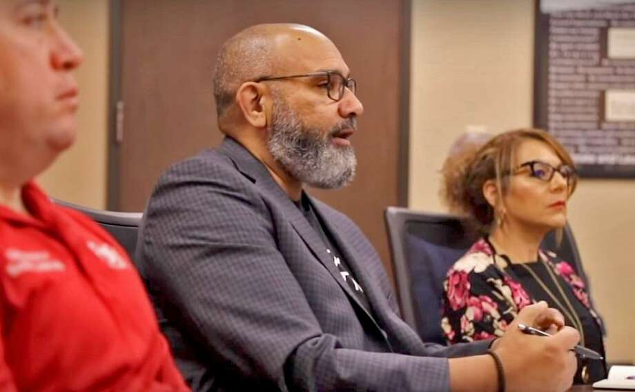 Fort Bend ISD superintendent Charles Dupre speaks to administrators in a video posted to the district website on March 22. District officials are currently finalizing plans for a new online learning program set to launch Friday, April 3. Photo: Fort Bend ISD
