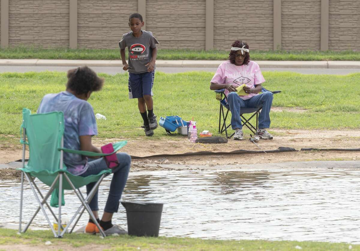 This past month was one of the warmest months of March on record, and the warmer-than-average weather is expected to continue for a while, according to reports from the National Weather Service and the Climate Prediction Center.