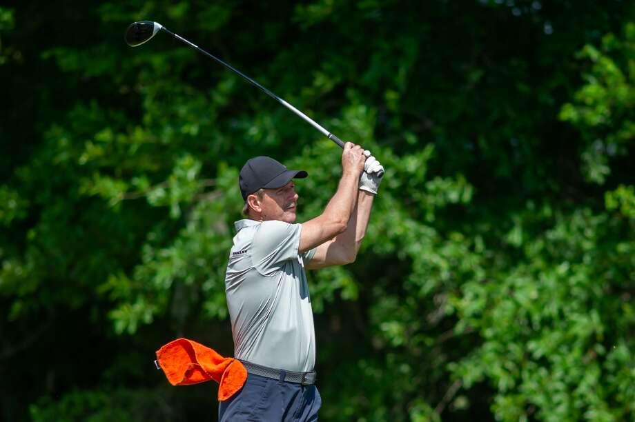 Terry Wunsch tees off on the seventh hole at Henry Homberg Municipal Golf Course on March 26, 2020. Fran Ruchalski/The Enterprise Photo: Fran Ruchalski/Staff Photographer / ? 2020 The Beaumont Enterprise
