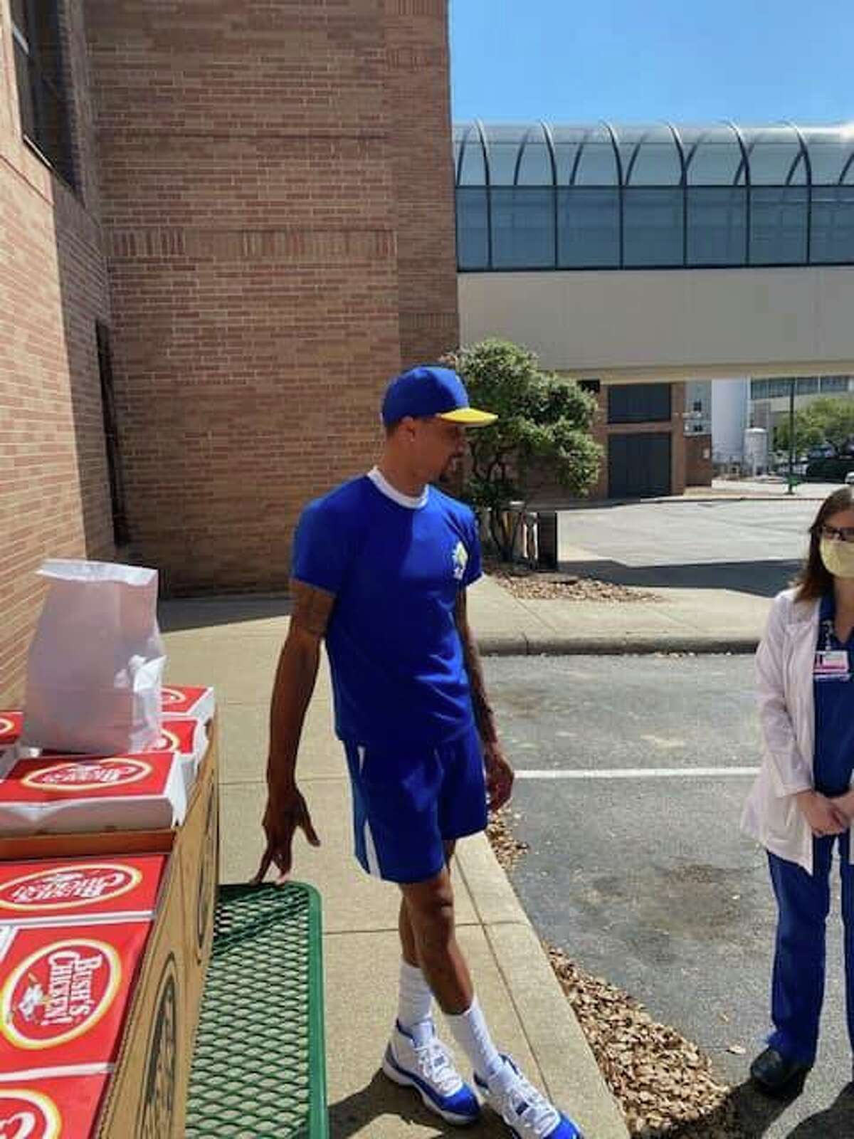 Former San Antonio Spurs player George Hill partnered with Tony Cain, owner of Bush's Chicken, to provide meals for the city's front line heroes.