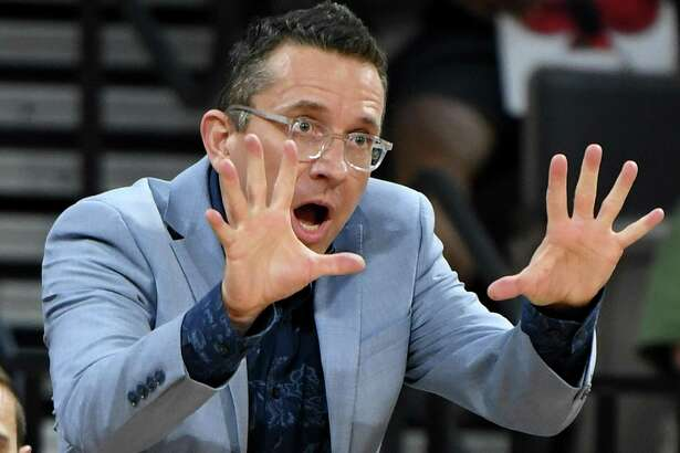 LAS VEGAS, NEVADA - JUNE 02: Head coach Curt Miller of the Connecticut Sun gestures during his team's game against the Las Vegas Aces at the Mandalay Bay Events Center on June 2, 2019 in Las Vegas, Nevada. The Sun defeated the Aces 80-74. NOTE TO USER: User expressly acknowledges and agrees that, by downloading and or using this photograph, User is consenting to the terms and conditions of the Getty Images License Agreement. (Photo by Ethan Miller/Getty Images )