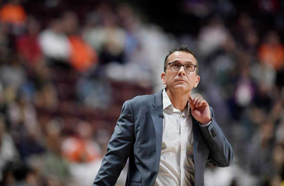 Connecticut Sun head coach Curt Miller during the first half of a WNBA game in September. Photo: Jessica Hill / Associated Press / Copyright 2019 The Associated Press. All rights reserved