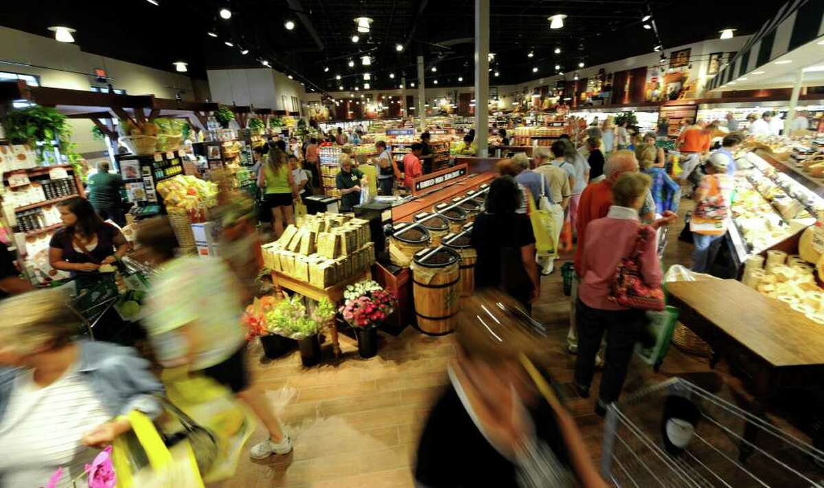 A large crowd showed up for the grand opening of The Fresh Market in Latham. (Skip Dickstein/Times Union)