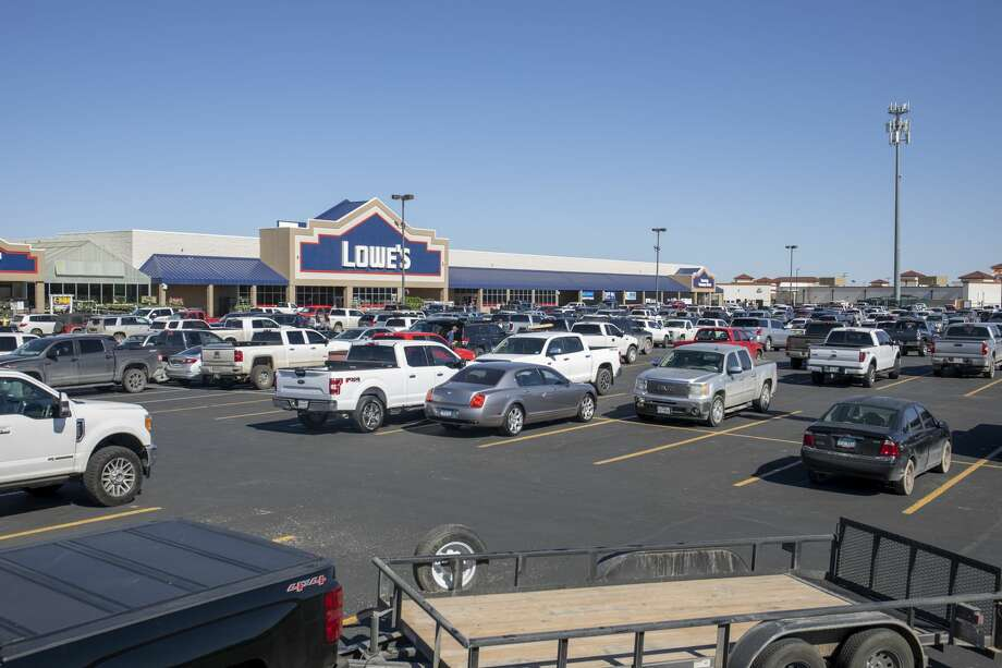 The LoweÕs Home Improvement parking lot was full Saturday, March 28, 2020 at 3315 N Loop 250 W. Jacy Lewis/Reporter-Telegram Photo: Jacy Lewis/Reporter-Telegram
