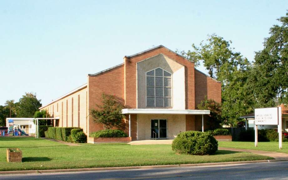Heights Baptist Church in Liberty has canceled services the last two weeks. Churches across the county are affected by the order. Photo: STEPHEN THOMAS / Dayton News / Dayton News