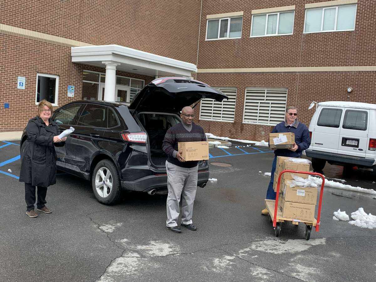 SUNY Schenectady responds to Ellis Medicine's plea to the community for essential masks, protective suits, and gloves to help safeguard healthcare workers on the front line of the COVID-19 pandemic.