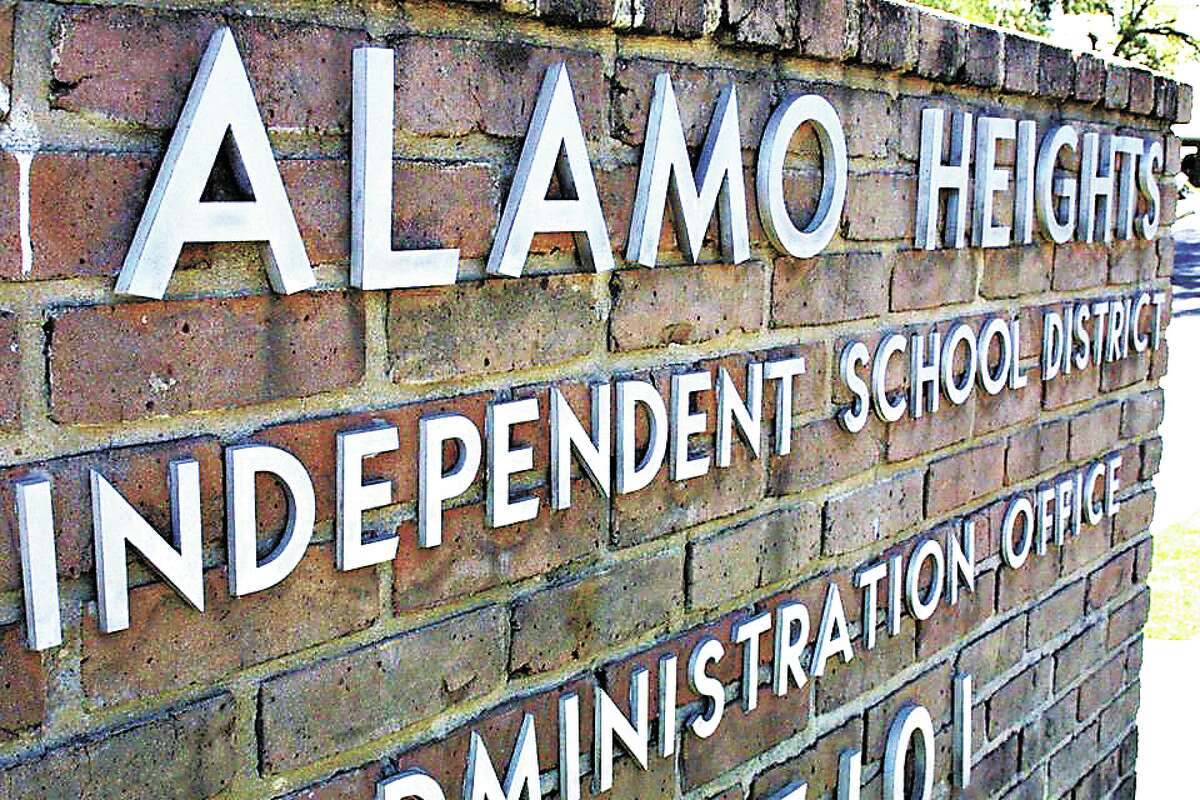 Alamo Heights ISD will require staff, students and visitors to wear face masks for the next three weeks starting Monday, August 23.