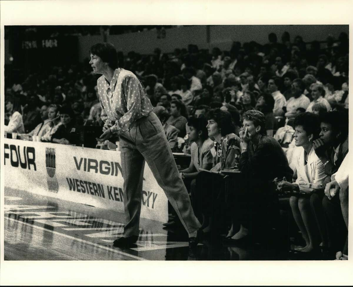 VanDerveer, Tara (Basketball). Why is Tara Vanderveer, Stanford coach, looking ahead? She has all her starters back from a 30-3 national championship team. Tara VanDerveer. Head Coach. NCAA Champions - 1990 & 1992. Stanford Women's Basketball.