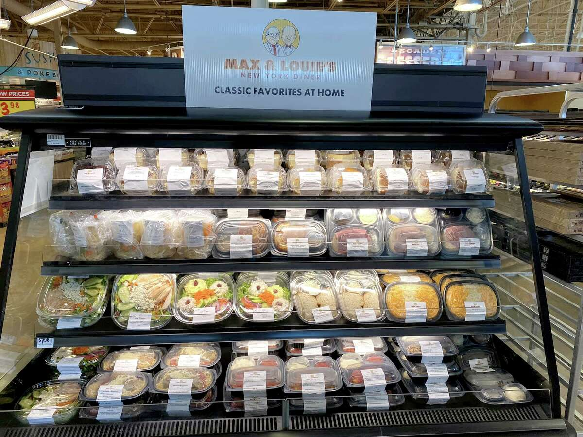 In a pilot program kicked into high gear by the coronavirus crisis, H-E-B is carrying fresh prepared foods from the San Antonio deli favorite Max & Louie's New York Diner.