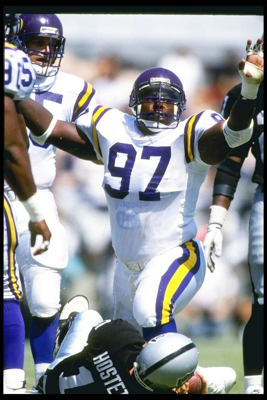 Aldine Eisenhower High SchoolHenry Thomas, NFL (1987-2000)Thomas was a two-time Pro Bowler as a defensive tackle, registering 1,006 tackles in 14 NFL seasons.