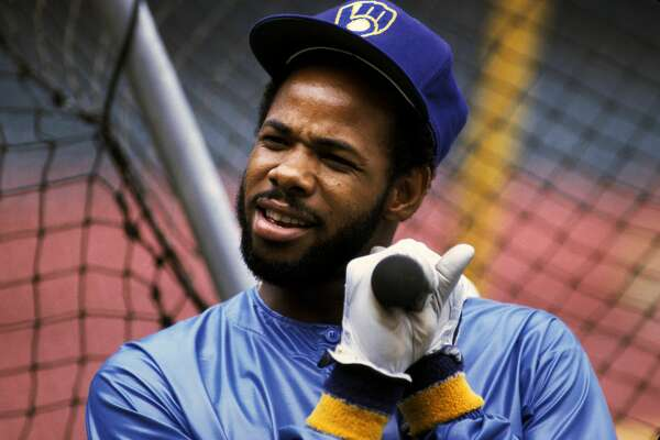 MILWAUKEE, WI - JULY 1982: Cecil Cooper #15 of the Milwaukee Brewers during a MLB game in July 1982 in Milwaukee, Wisconsin. (Photo by Ronald C. Modra/Getty Images)
