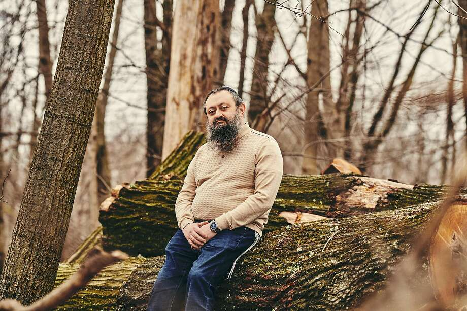 Dr. Vladimir Zelenko, who claims to have cured hundreds of coronavirus patients with the antimalarial drug hydroxychloroquine, azithromycin and zinc sulfate, outside his office in Monsey, N.Y., March 30, 2020. Zelenko's sudden fame in right-wing media circles is a modern pandemic parable illustrating how the coronavirus is colliding with our fragile information ecosystem. (Bryan Derballa/The New York Times) Photo: Bryan Derballa, NYT