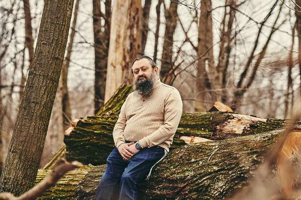 Dr. Vladimir Zelenko, who claims to have cured hundreds of coronavirus patients with the antimalarial drug hydroxychloroquine, azithromycin and zinc sulfate, outside his office in Monsey, N.Y., March 30, 2020. Zelenko's sudden fame in right-wing media circles is a modern pandemic parable illustrating how the coronavirus is colliding with our fragile information ecosystem. (Bryan Derballa/The New York Times)