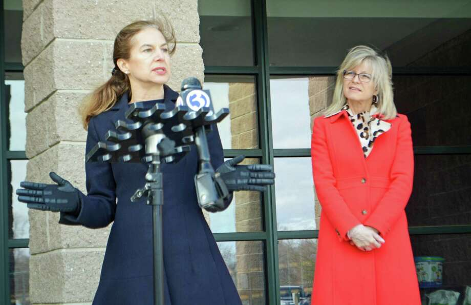 From left, Lt. Gov. Susan Bysiewicz and Wilbert Snow School Principal Colleen Fitzpatrick met Thursday for a press conference and update on efforts to increase participation in the census. Photo: Cassandra Day / Hearst Connecticut Media