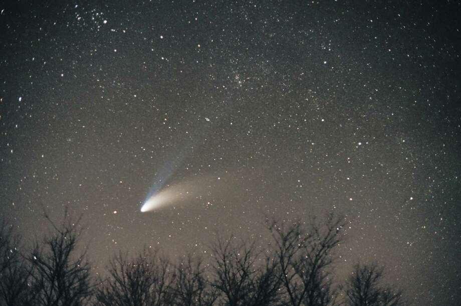 The comet Hale-Bopp Photo: Bill Cloutier / John J. McCarthy Observatory