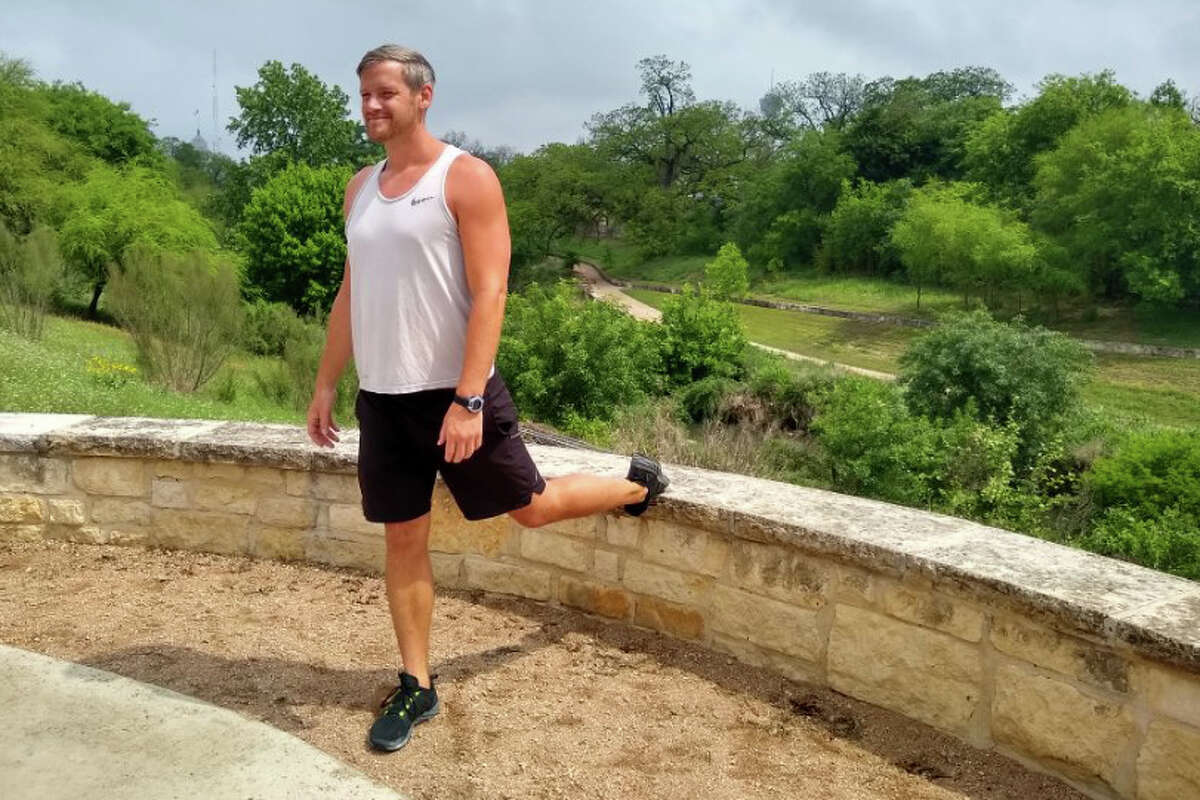 Single-leg lunge: Put one leg on the ledge, one out front, and lower yourself up and down. When down, your thigh should be parallel to the ground. You should feel this in your glutes and quads.