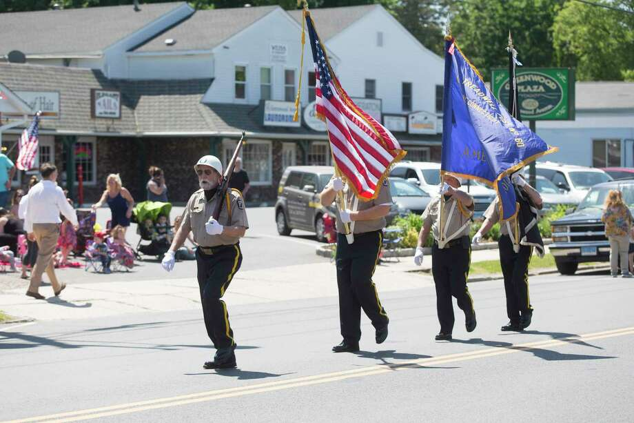 Bethel's Veterans of Foreign Wars are led by Steve Fako during the 2017 Bethel Memorial Day Parade. Photo: Christopher Burns / The News-Times Freelance