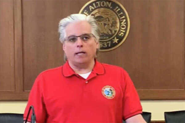 """Walker In a Friday online video, Alton Mayor Brant Walker said he has directed Alton Police """"to use their discretion in issuing citations or making arrests to those refusing to follow the state issued stay-at-home mandate."""""""