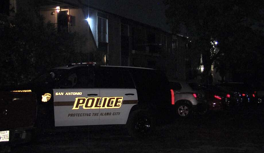 San Antonio police investigate a shooting on the Northwest Side on Sunday, April 5, 2020. Photo: 21 Pro Video