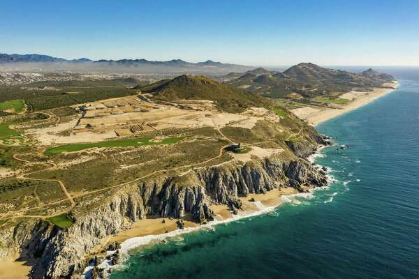 When complete, Quivira Los Cabos, an exclusive master-planned residential resort in Los Cabos, will feature villas and cliff houses overlooking the Pacific Ocean.