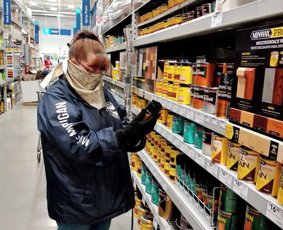 Though Gov. Gretchen Whitmer made an executive order for residents to stay home as much as possible, many resident can still be seen at their local hardware stores, purchasing items for home projects. (Pioneer photos/Alicia Jaimes) / Copyright,Spreadtrum,2011